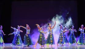 Светя танец silverware-Китая этнический Стоковые Фотографии RF