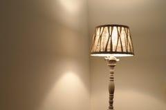 Свет лампы в комнате стоковая фотография rf
