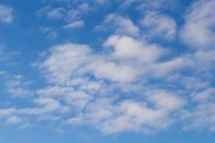 Свет, воздушный, облака цирруса Стоковое фото RF