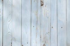 Свет - голубая деревянная предпосылка от покрашенных доск стоковые изображения rf
