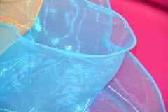 Свет - голубая предпосылка текстуры ткани Тюль Стоковая Фотография RF