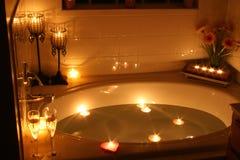 свет горящей свечи ванны Стоковые Изображения RF