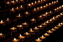 свет горящей свечи Стоковые Фото