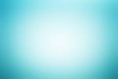 Свет - голубая абстрактная предпосылка с радиальным влиянием градиента Стоковые Фотографии RF