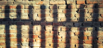 Свет и тень на стене стоковая фотография rf