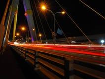 Свет красной линии на мосте на ноче Стоковое Фото