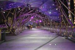 Свет моста винтовой линии в ноче Стоковые Фотографии RF