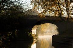 Свет моста Темзы реки вначале Стоковая Фотография RF
