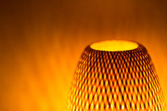 Свет накаляя светильника с формами тени Стоковое Изображение