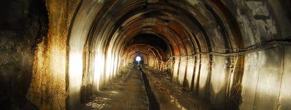 Свет на конце тоннеля стоковое фото rf