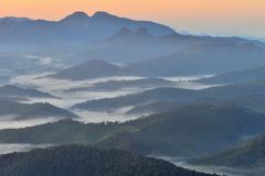 Светлое море передних частей горы тумана Стоковая Фотография RF