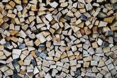 свет пожара серый вносит древесину в журнал woodpile Стоковое Изображение