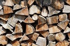 свет пожара серый вносит древесину в журнал woodpile Стоковая Фотография