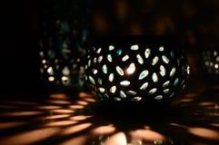 Свет свечи и зеленая тень Стоковые Изображения