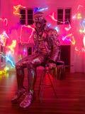 Свет сияющей статуи отражая стоковое фото rf