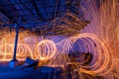 Свет стальных шерстей крася старую фабрику стоковое фото rf