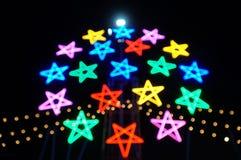 Свет цвета электрической лампочки звезды запачканный bokeh Стоковая Фотография RF