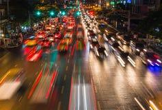 светлые потоки от продолжающийся движения в дороге финансового района Стоковая Фотография RF