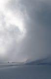 Светлый выходящ сквозь отверстие облака горы Стоковые Изображения RF