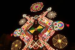 Светлый дисплей поплавка искусства на фестивале Las Parrandas de Remedios Рождества в Remedios, Кубе 24-ое декабря 2013 Стоковое Изображение