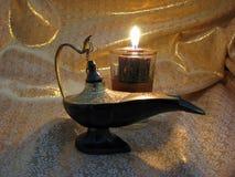 свет s светильника золота предпосылки aladdin Стоковые Фотографии RF