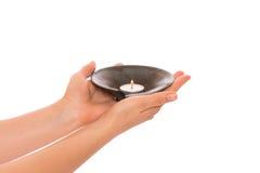 Свеча в руках Стоковое фото RF