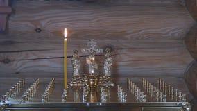 Свеча для остатка души сток-видео