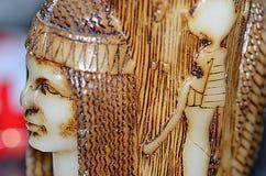 Свеча; Египетские выгравированные диаграммы на ем Стоковые Изображения