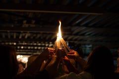 Свечи ассоциации до одно пламя Стоковые Изображения