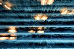 Свечи в церков-абстрактной стоковое изображение rf
