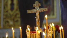 Свечи в церков видеоматериал