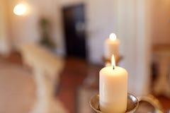 Свечи горя в церков Стоковое фото RF