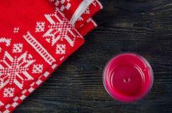 Свечи и красная шотландка Стоковое фото RF