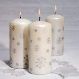 Свечи натюрморта 3 горящие с звездами Стоковые Фотографии RF
