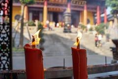 Свечи ожога на буддийском виске Стоковое Изображение RF