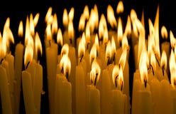 Свечка в темноте Стоковая Фотография