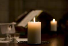 Свечка на алтаре Стоковое фото RF