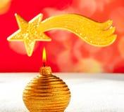 Свечка рождества золотистые и звезда Вифлеема Стоковая Фотография
