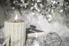 Свечка рождества с украшением Стоковые Изображения