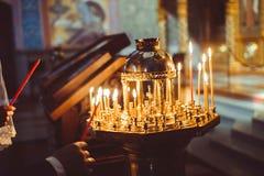 Свечки в церков Стоковые Фото
