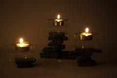 свечки Дзэн камней Стоковые Фотографии RF
