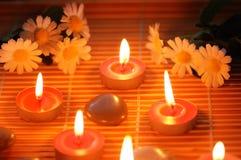 свечки камушков цветков Стоковое Изображение RF