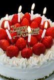 свечки торта горения дня рождения Стоковые Изображения RF