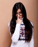 свитер девушки теплый Стоковые Фотографии RF