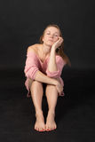 свитер девушки розовый Стоковая Фотография RF