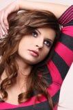 свитер красного цвета девушки Стоковая Фотография