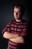 свитер людей striped портретом Стоковые Изображения