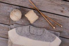 Свитер Knitwear и вязать поставки Стоковое Изображение RF
