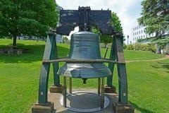 Свобода колокол в доме положения Мейна, Augusta, МНЕ, США стоковая фотография rf