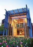 Свобода колокол осмотренный от парка независимости национального исторического Филадельфии Стоковое Изображение RF